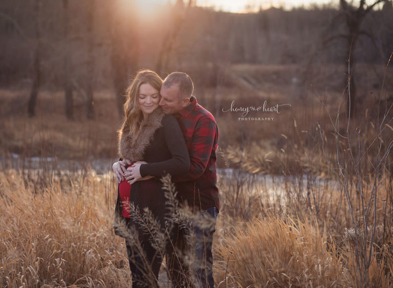 Couples maternity picture fish creek park Alberta Calgary Maternity Newborn Baby Photographers